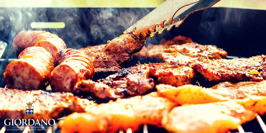 Grigliata di carne? 5 trucchi fondamentali per sbaragliare la concorrenza e indossare la corona di Re del Barbecue anche quest'anno