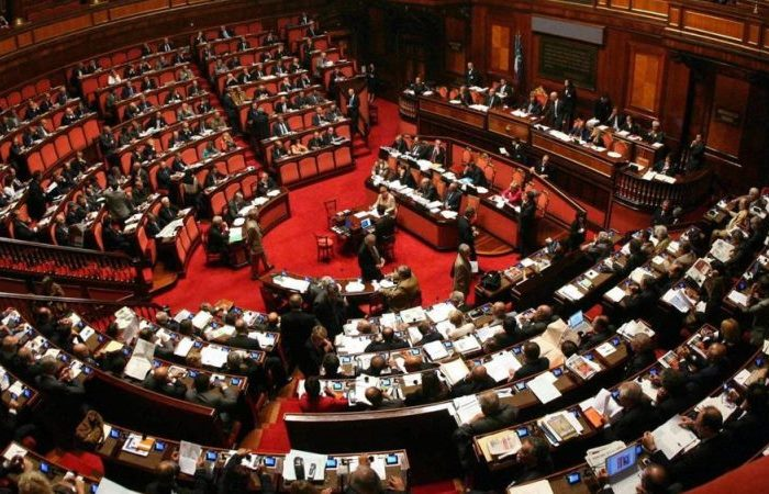 Costituiti i gruppi parlamentari alla camera e al senato for Camera dei deputati gruppi parlamentari