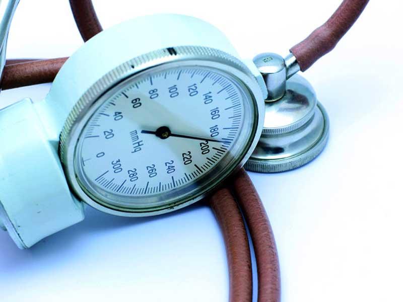 Come tenere sotto controllo la pressione in modo naturale
