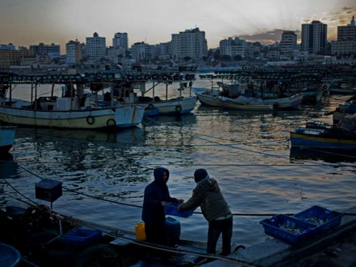 La striscia di Gaza al buio, ostaggio del conflitto tra Fatah e Hamas