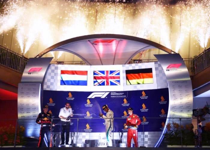 F1, Gp Singapore: Hamilton trionfa davanti a Verstappen e Vettel