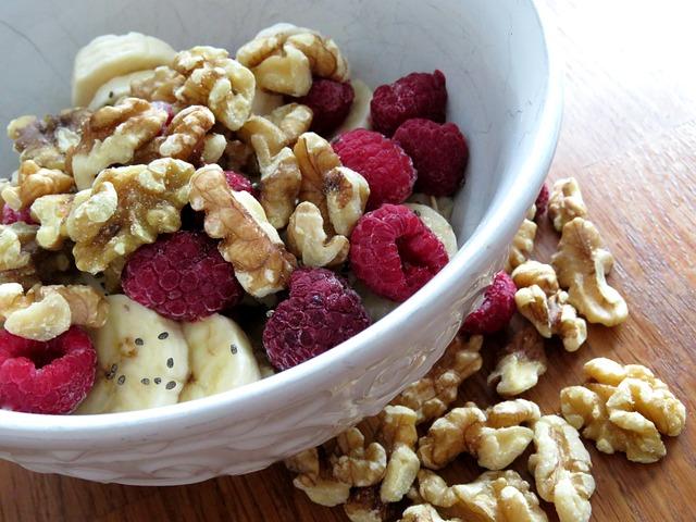 Il frutto che nutre il cervello e non solo… Quante noci mangiare al giorno e perché?