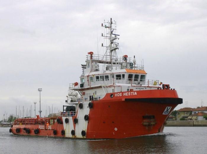 Save the Children risponde del proprio operato sui salvataggi dei migranti in mare