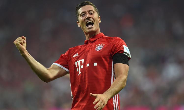 Rinnovo Lewandowski: l'attaccante del Bayern dimentica la delusione del Pallone d'Oro prolungando il contratto