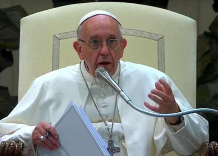 Papa Francesco risponde agli studenti su economia, società, educazione, politica, ambiente
